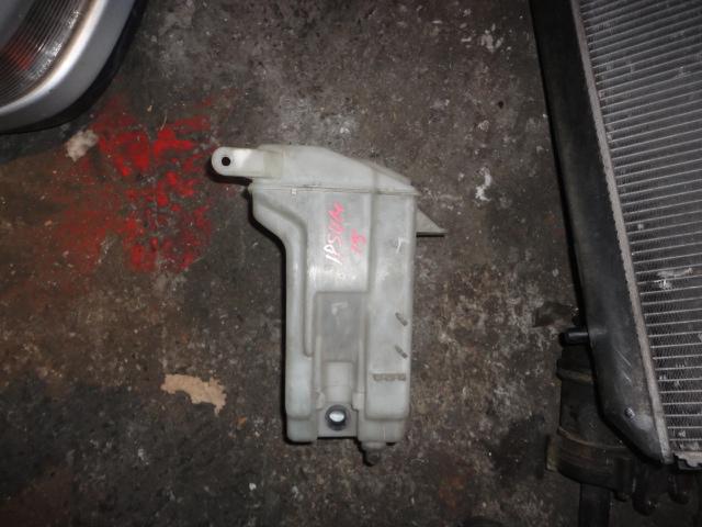Бачок омывателя Toyota Ipsum SXM10 (б/у)