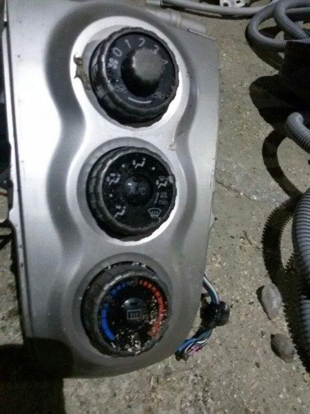 Климат-контроль Toyota Vitz SCP90 (б/у)