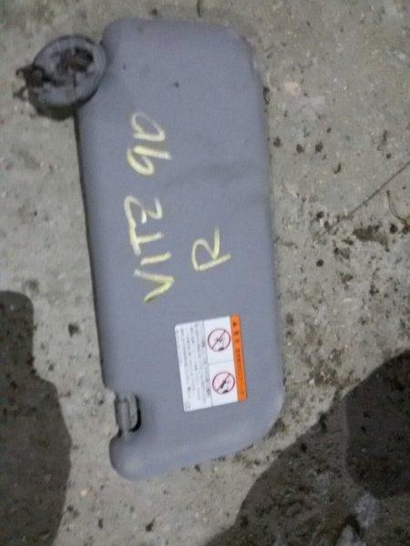 Козырек солнцезащитный Toyota Vitz SCP90 2SZ правый (б/у)