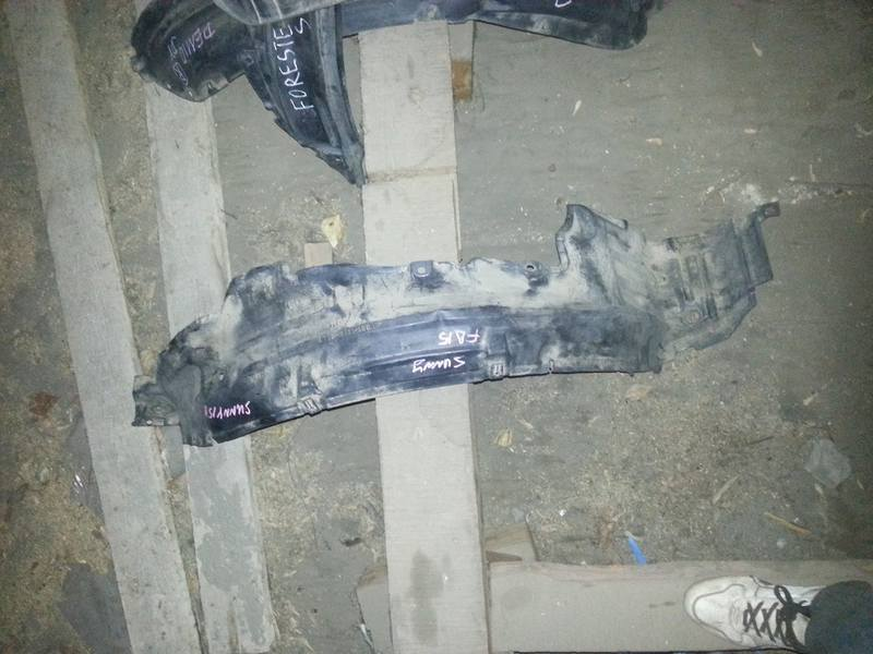 Подкрылок Nissan Sunny B15 передний правый (б/у)