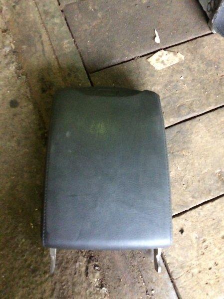 Подлокотник Bmw X5 E53 M54 2004 (б/у)
