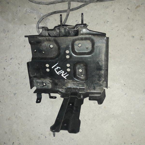 Подставка под аккумулятор Nissan X-Trail TNT31 QR25 2007 (б/у)