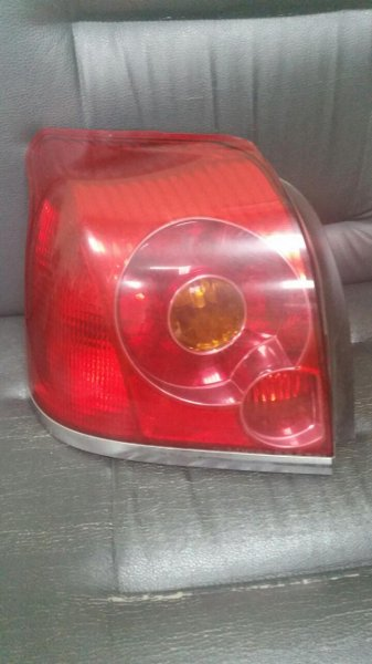 Стоп Toyota Avensis AZT250 задний левый (б/у)