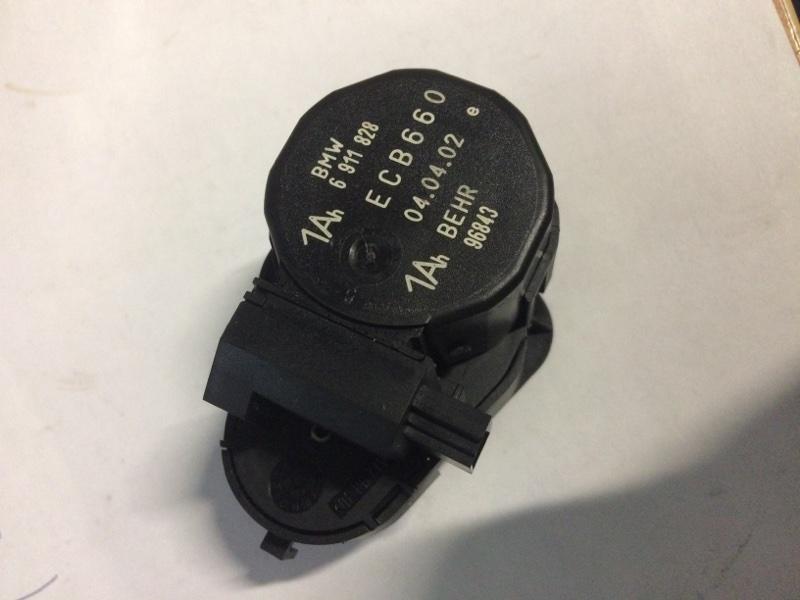 Сервопривод заслонок печки Bmw 7-Series E65 N62B44 2002 (б/у)