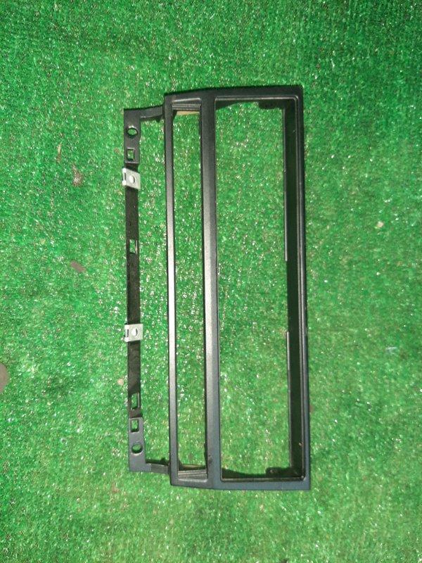 Рамка магнитолы Bmw 5-Series E39 M54B30 2003 (б/у)