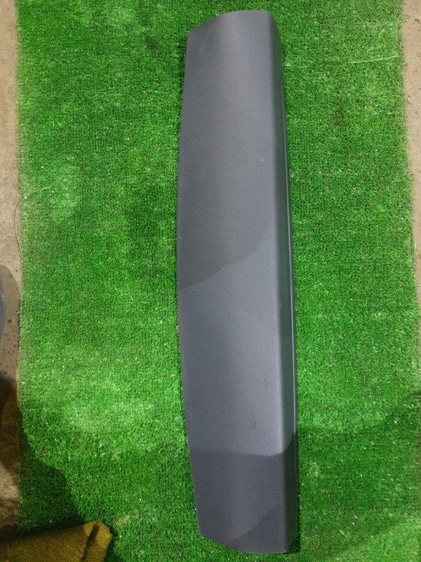 Обшивка двери багажника Mitsubishi Outlander GF2W 4B11 (б/у)
