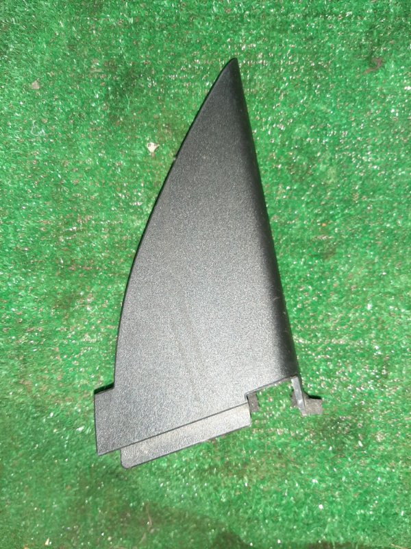 Накладка на дверь Nissan X-Trail TNT31 правая (б/у)