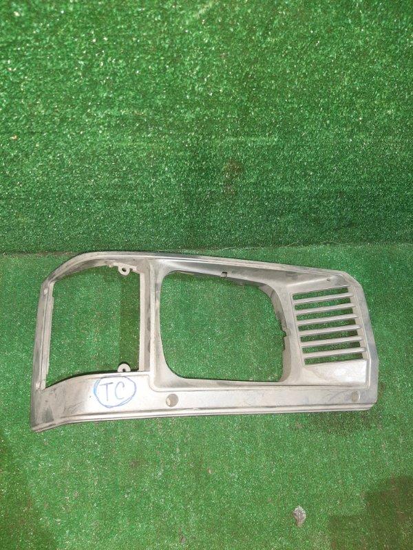 Рамка фары Toyota Lite Ace KM36 5K правая (б/у)