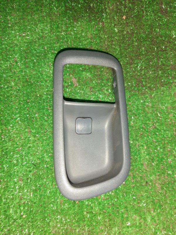 Ручка двери Toyota Ipsum SXM10 3S задняя правая (б/у)