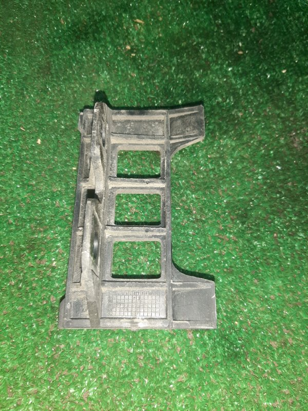 Кронштейн бампера Bmw 5-Series E39 M54B25 2001 задний правый (б/у)