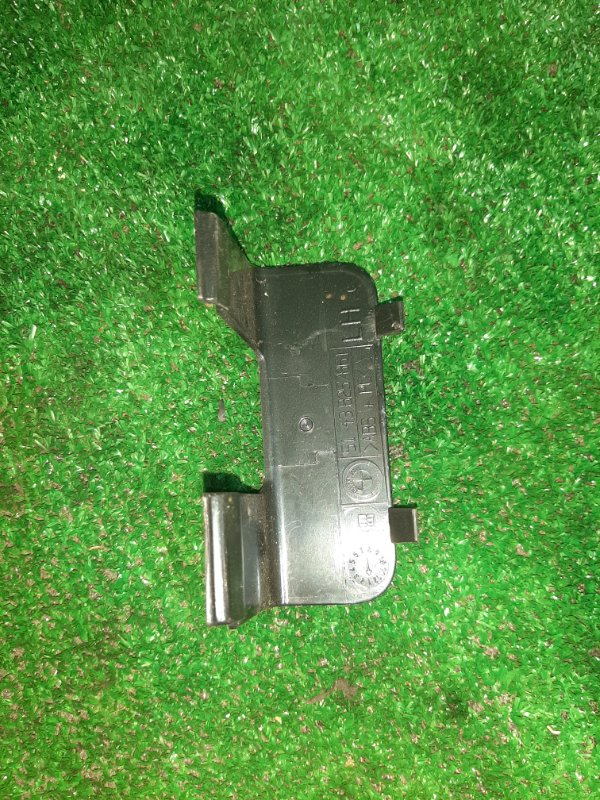 Заглушка Bmw X5 E53 N62B44 2005 задняя левая (б/у)