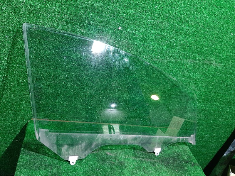 Стекло двери Nissan Note E12 HR12 переднее правое (б/у)