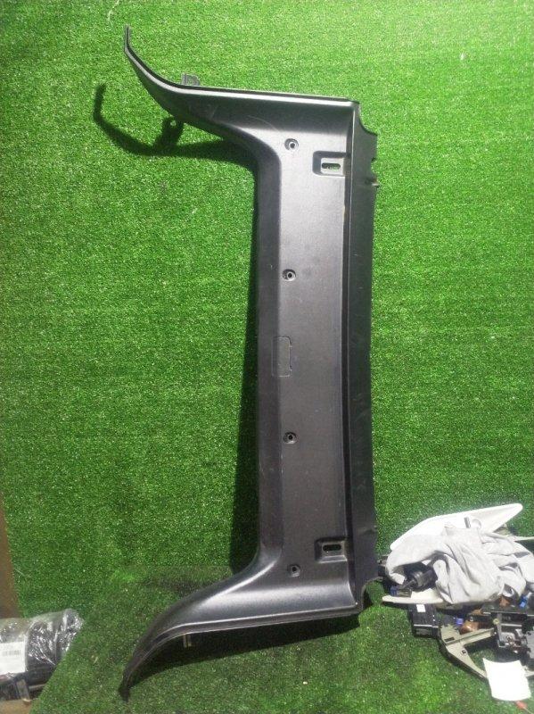 Накладка замка багажника Bmw 5-Series E39 M54B25 2001 (б/у)