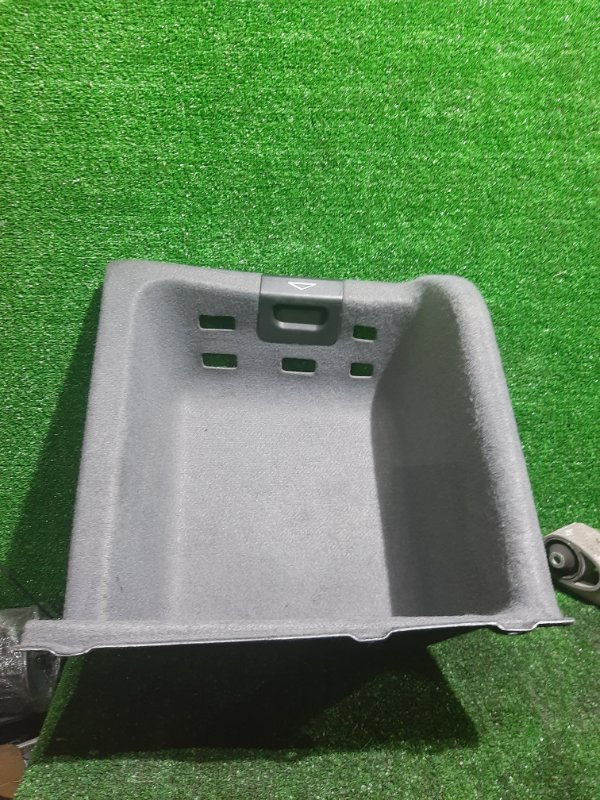 Обшивка багажника Bmw 5-Series E39 M54B25 2001 правая (б/у)