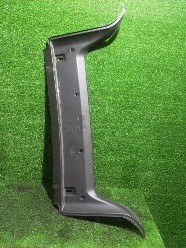 Накладка замка багажника Bmw 5-Series E39 M52B28 1996 (б/у)
