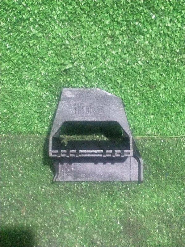 Кронштейн радиатора Bmw 5-Series E39 M54B25 2001 (б/у)