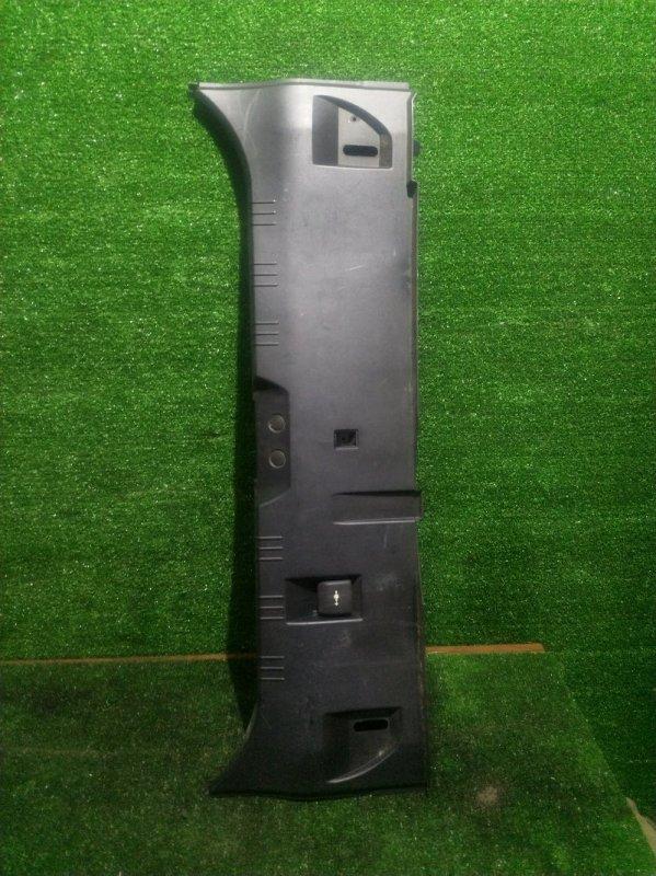 Накладка замка багажника Bmw 5-Series E60 M54B30 2003 (б/у)