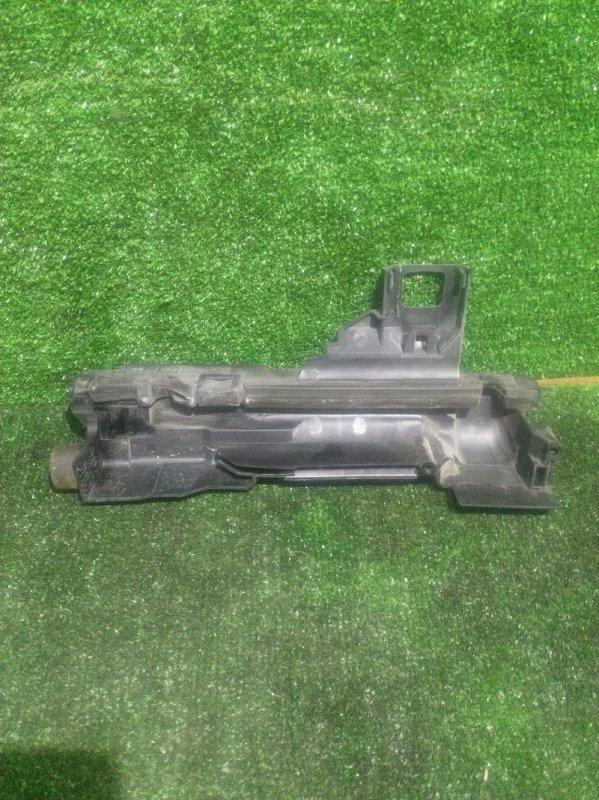 Кронштейн радиатора Bmw 3-Series E46 M54B22 (б/у)