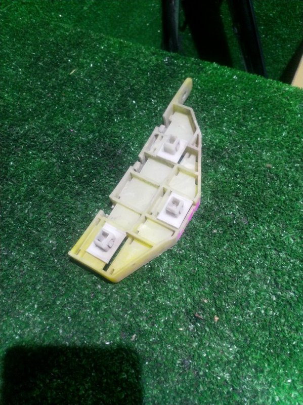 Кронштейн бампера Honda Odyssey RA9 передний правый (б/у)