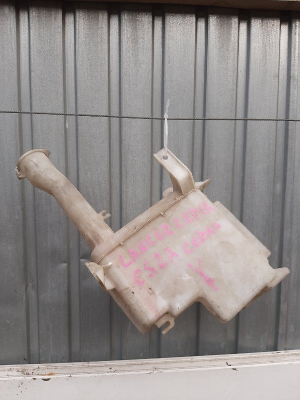 Бачок омывателя Mitsubishi Lancer Cedia CS5W (б/у)