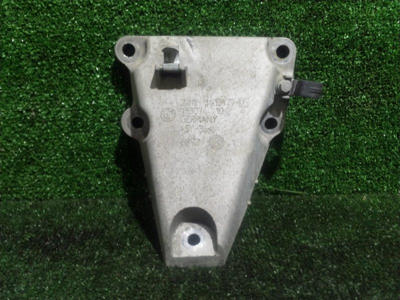 Кронштейн опоры двигателя Bmw X3 E83 N52B25 2008 (б/у)