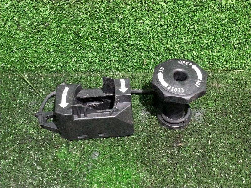 Крепление запасного колеса Bmw X3 E83 N52B25 2008 (б/у)