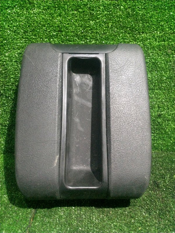 Подлокотник Bmw 5-Series E39 M54B25 2001 (б/у)