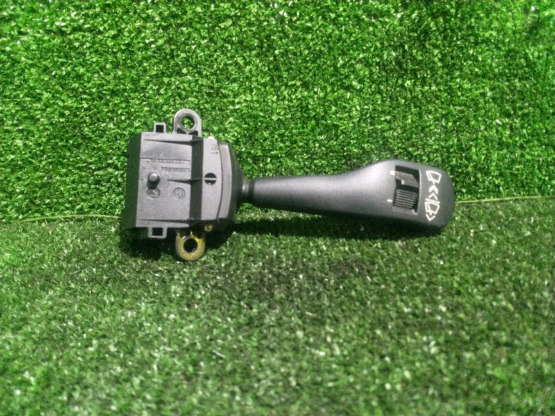 Переключатель подрулевой Bmw 5-Series E39 M54B25 2001 правый (б/у)