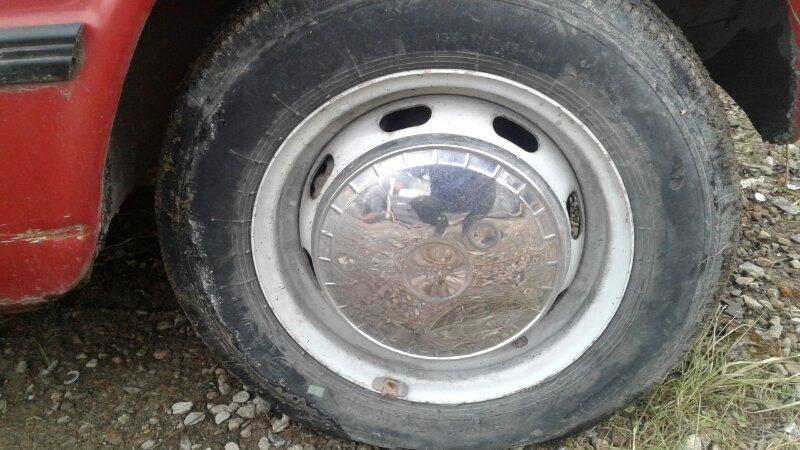 Колпак колеса Lada (Ваз) 2102 УНИВЕРСАЛ 1971 передний правый (б/у)