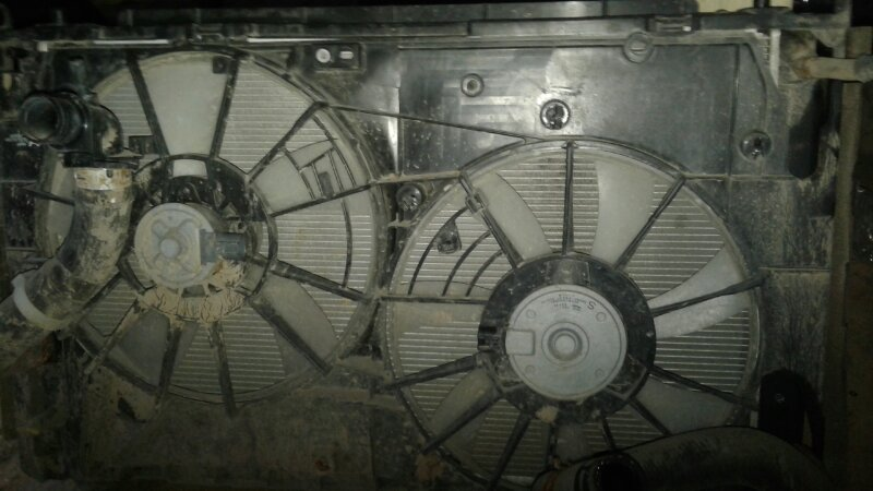 Диффузор радиатора Toyota Rav 4 XA30 РЕСТАЙЛИНГ 2.0 2010 (б/у)
