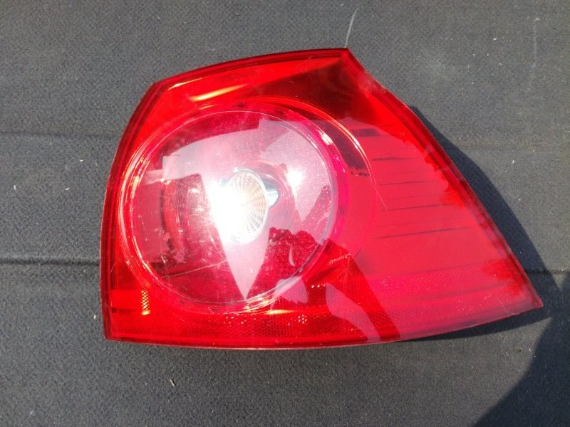 Фонарь Volkswagen Golf 5 2003 задний правый (б/у)