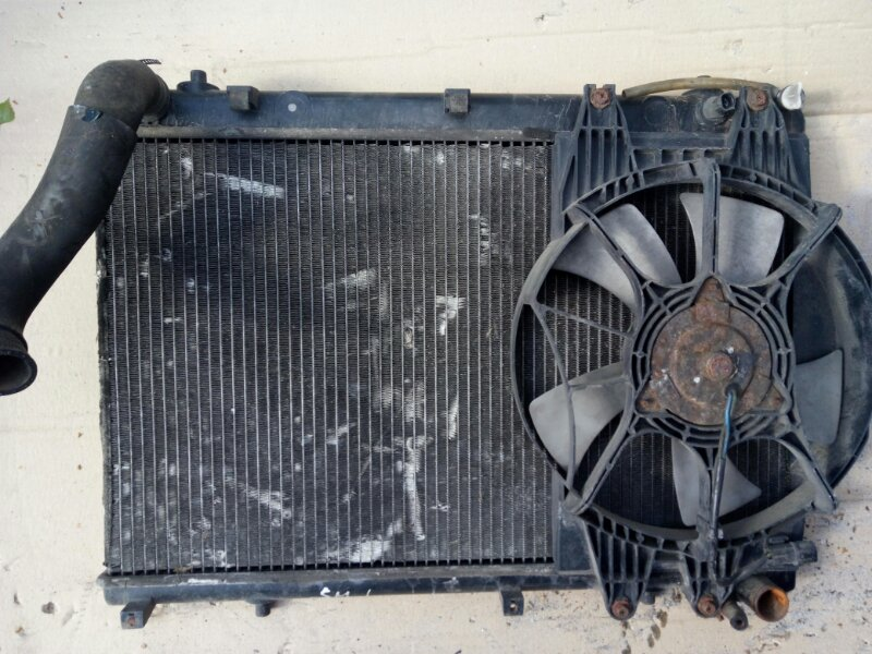 Диффузор радиатора Ssangyong Musso (б/у)