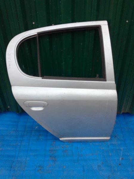 Дверь Toyota Yaris задняя правая (б/у)