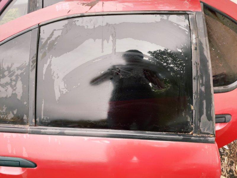 Стекло дверное Nissan Primera P11 заднее правое (б/у)