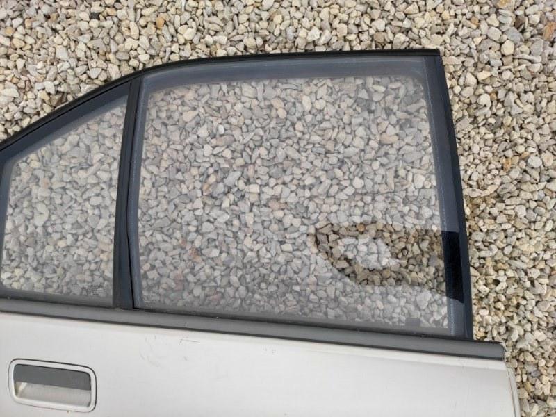Стекло дверное Opel Omega A заднее правое (б/у)