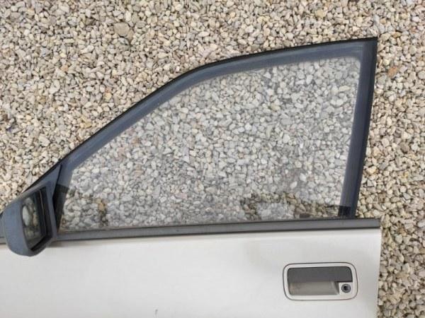 Стекло дверное Opel Omega A переднее левое (б/у)