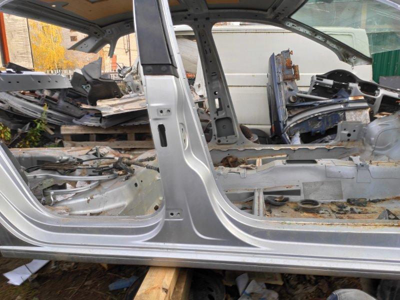 Центральная стойка Volkswagen Polo Sedan СЕДАН 1.6 2009 правая (б/у)