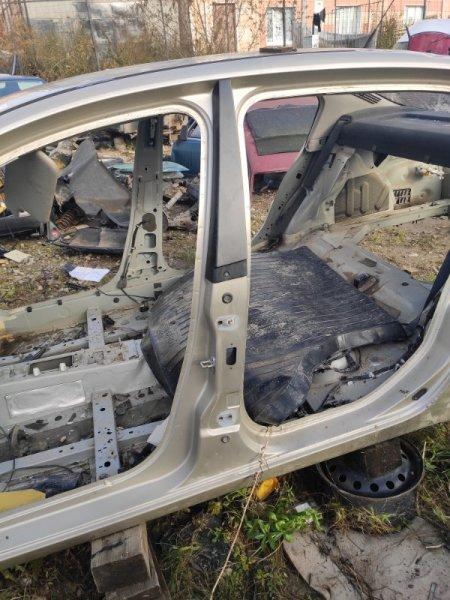 Центральная стойка Renault Megane 2 СЕДАН левая (б/у)