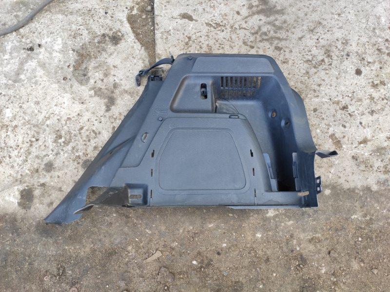 Обшивка багажника Skoda Fabia 2 правая (б/у)