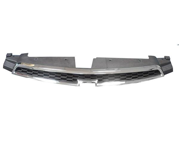 Решетка радиатора Chevrolet Cruze верхняя