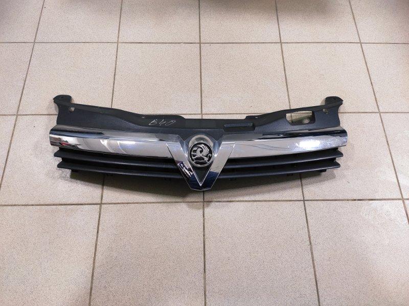 Решетка радиатора Opel Astra H (б/у)