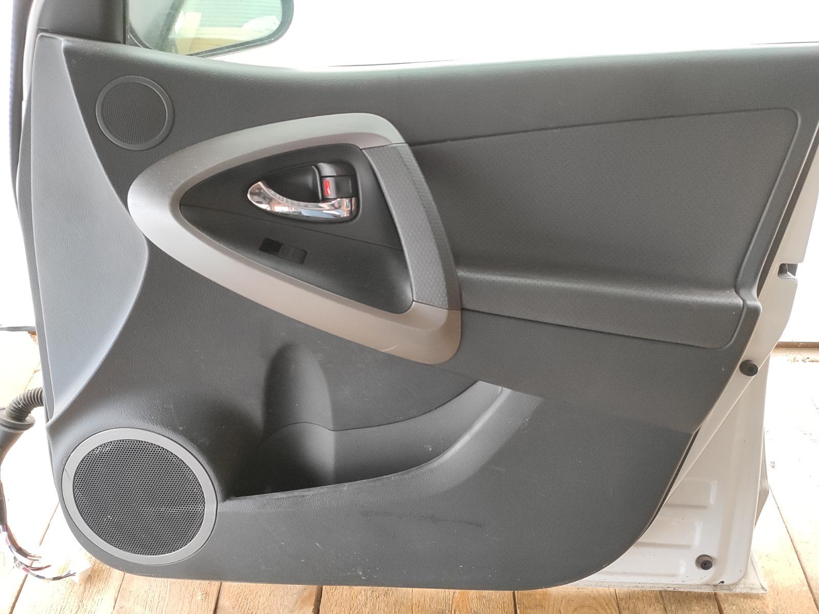 Обшивка двери Toyota Rav 4 XA30 РЕСТАЙЛИНГ 2.0 2010 передняя правая (б/у)