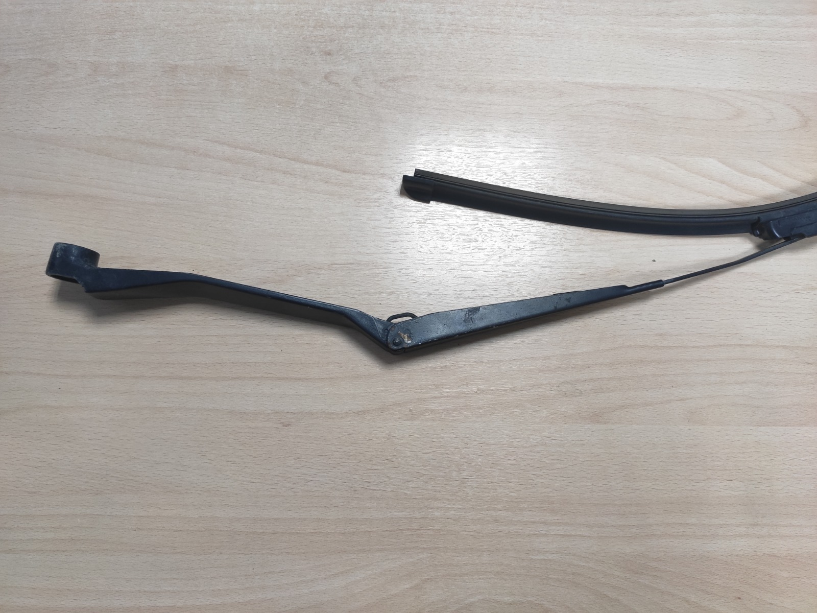 Поводок стеклоочистителя Chery Tiggo T11 2.4 2005 передний левый (б/у)