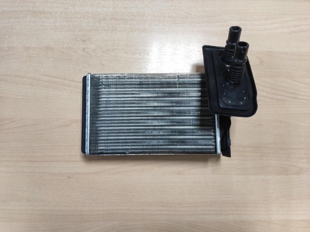 Радиатор печки, радиатор отопителя Audi 80 B3