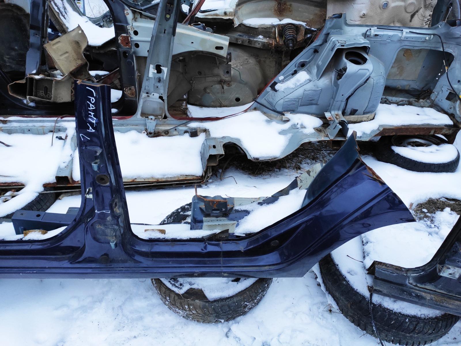 Центральная стойка Lada (Ваз) 2190 СЕДАН 1.6 2011 левая (б/у)
