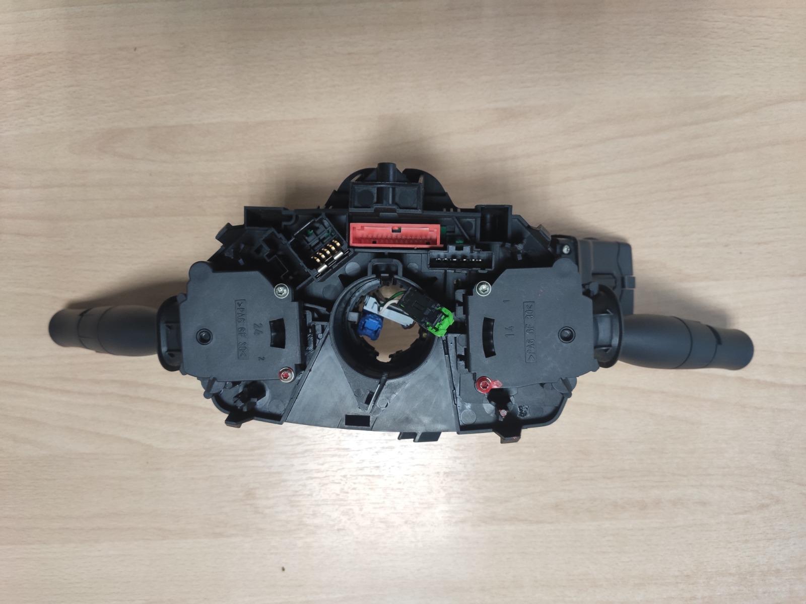 Подрулевой переключатель Renault Megane 2 (б/у)