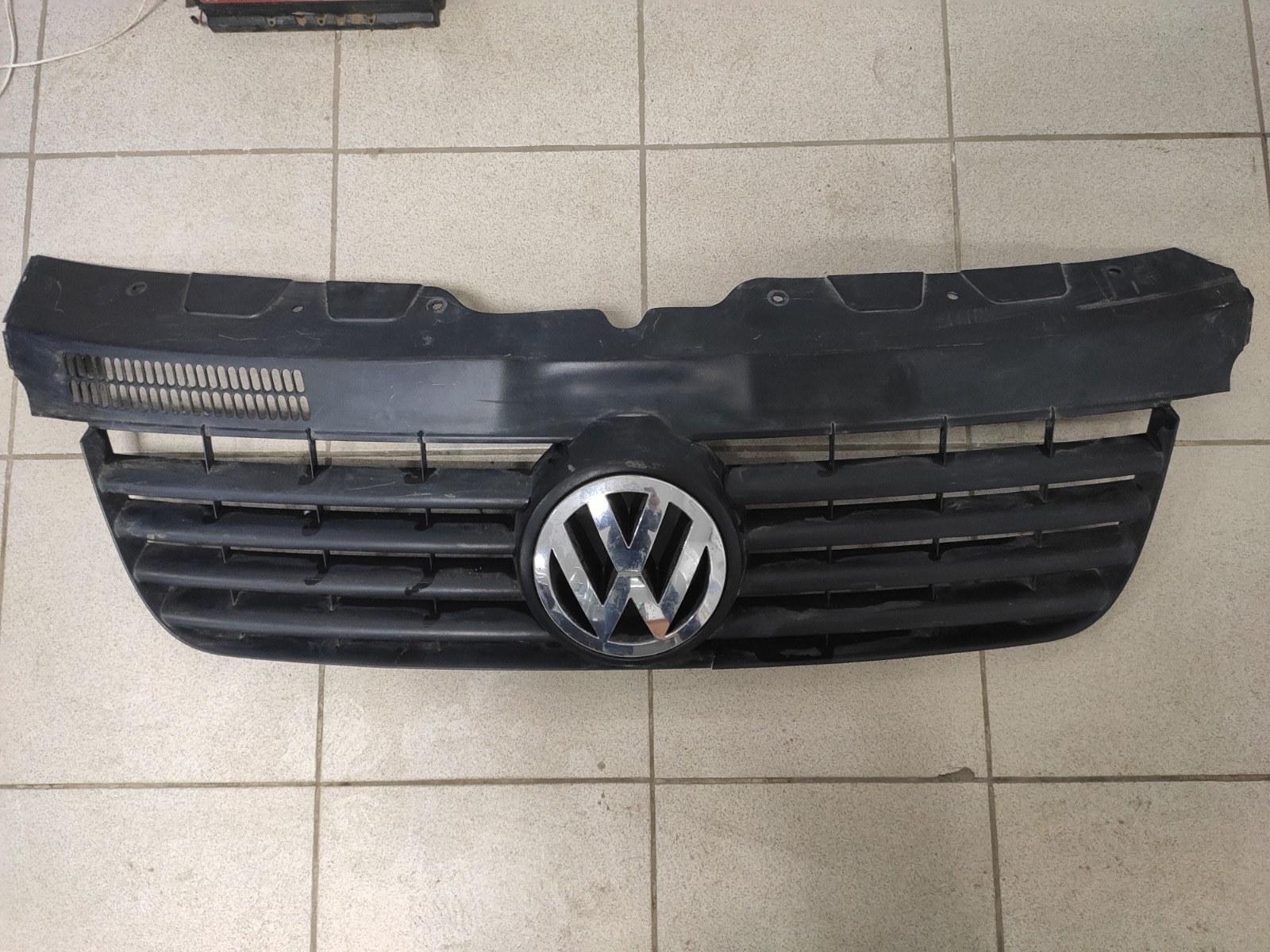 Решетка радиатора Volkswagen Transporter T5 (б/у)