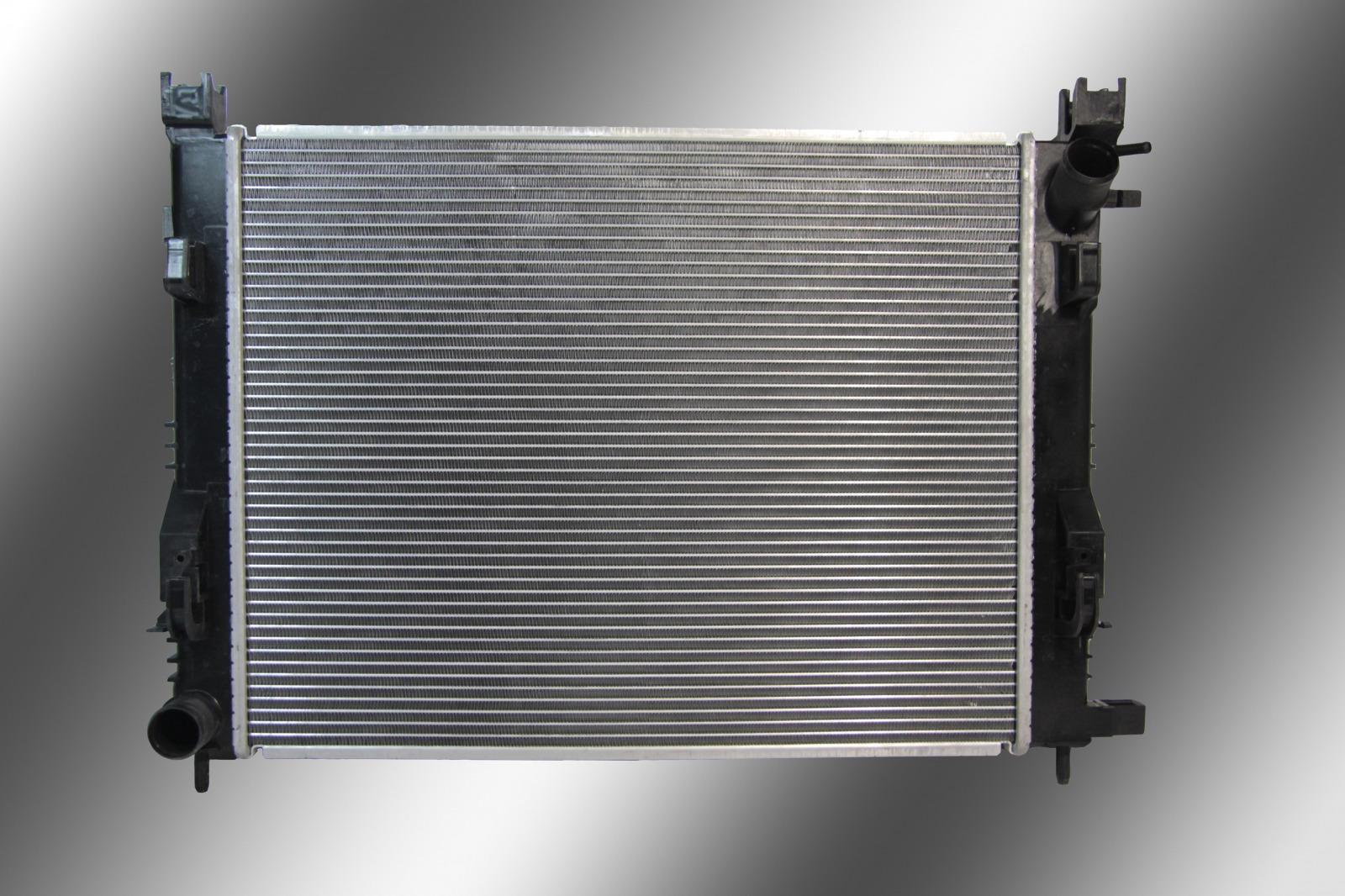 Радиатор охлаждения Renault Duster 2015
