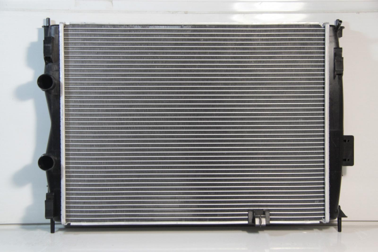 Радиатор охлаждения Nissan Qashqai 2007