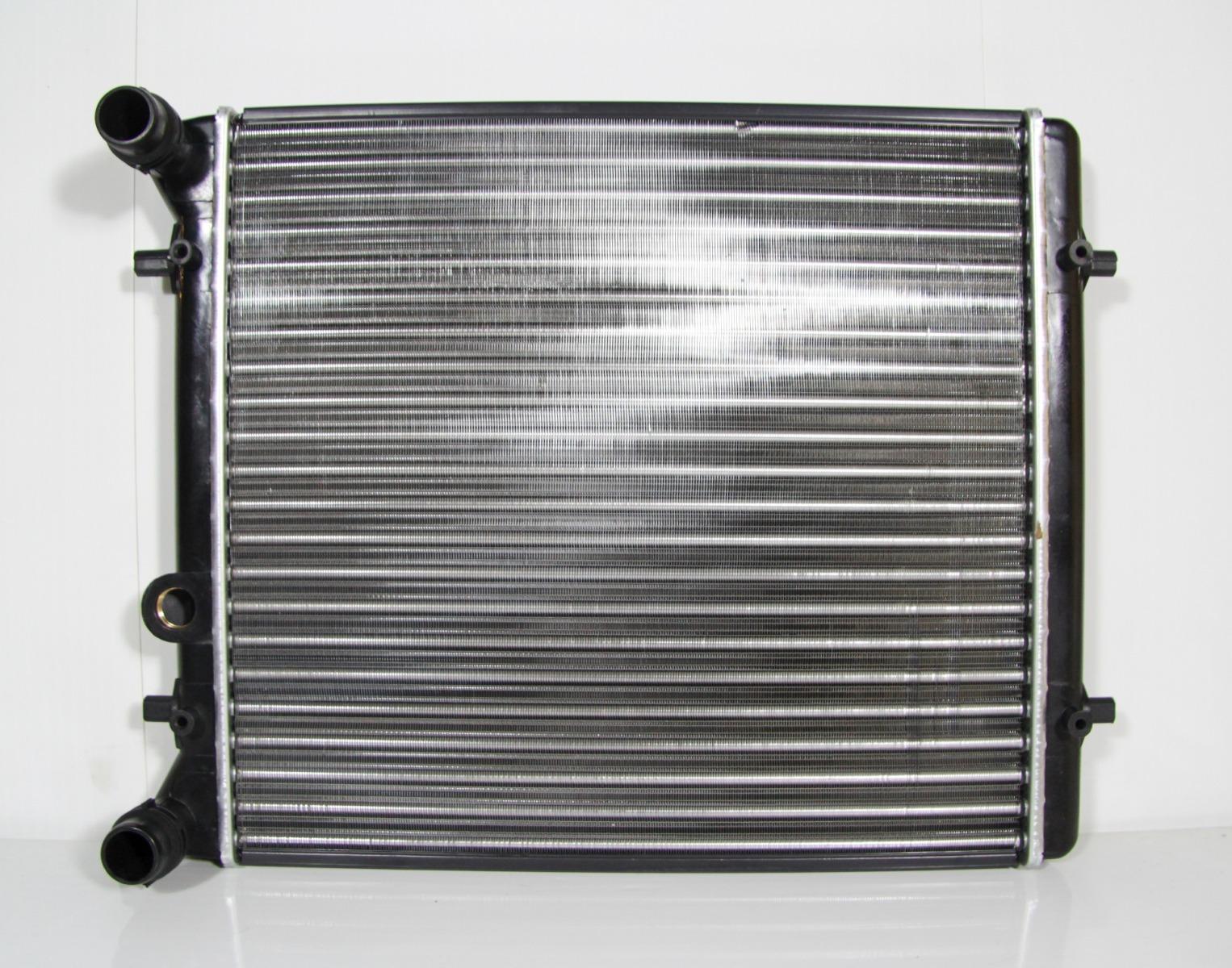 Радиатор охлаждения Volkswagen Golf 4 1J 1.4 1997